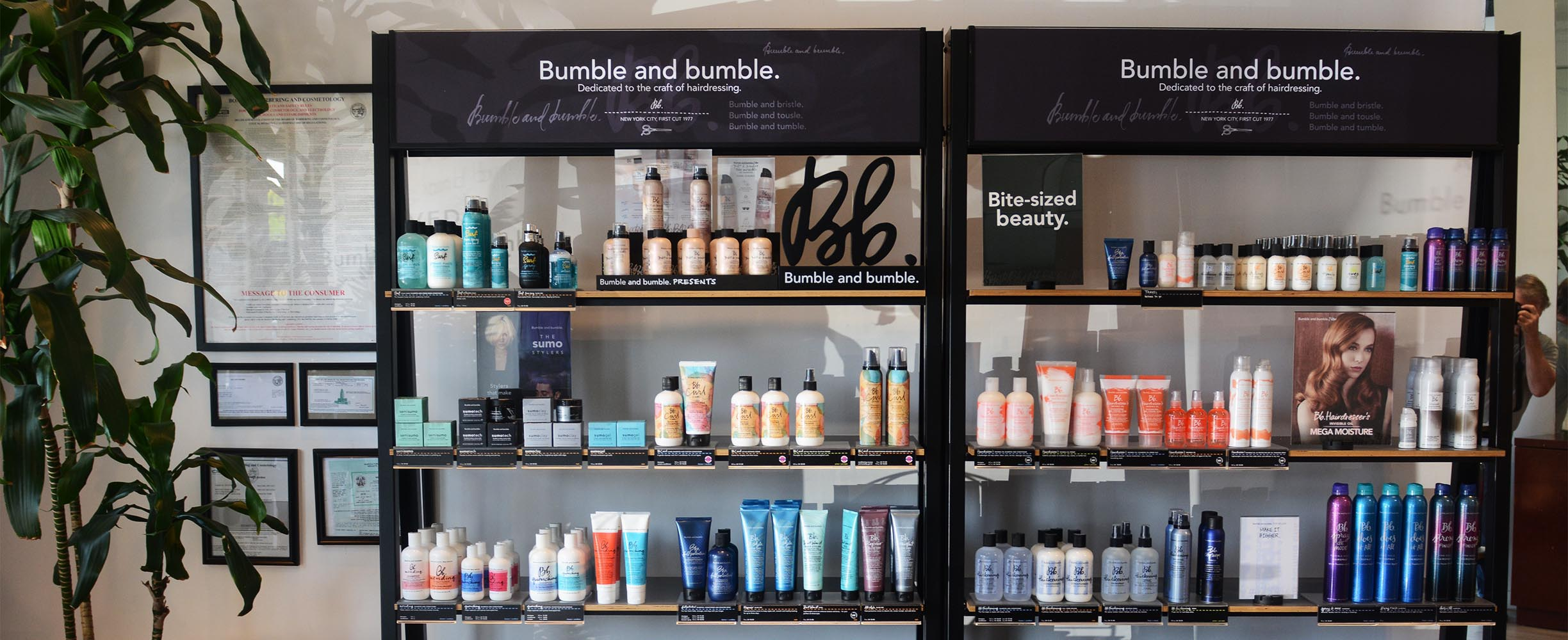 To provide a selection of the best hair products, shampoos and conditioners for you is one of pour goals.